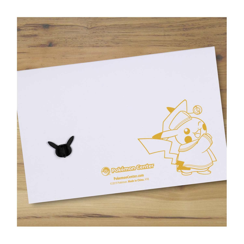 New 2019 Pokemon Center Original Graduation Pikachu Pokémon Pin /& Greeting card